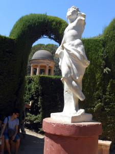 Статуя бога любви Эроса